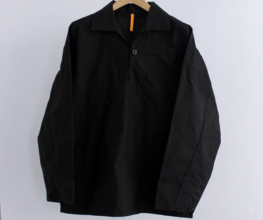 ONE BUTTON PULLOVER SHIRT (Black)