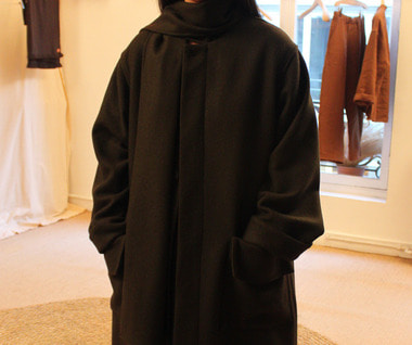 Double Cashmere Overcoat with Scarf (Black)