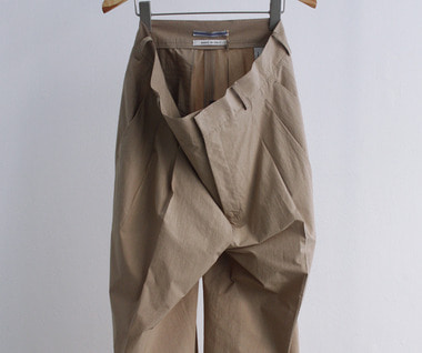 Japanese Dry Cotton Double Pleated Trousers (Beige)